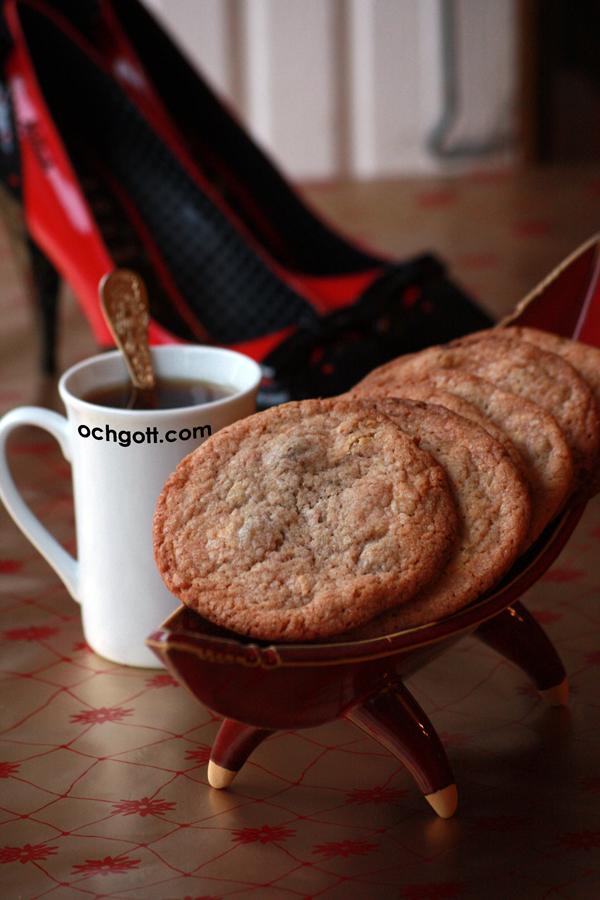 Cookies med pistasch, vit choklad och hallon