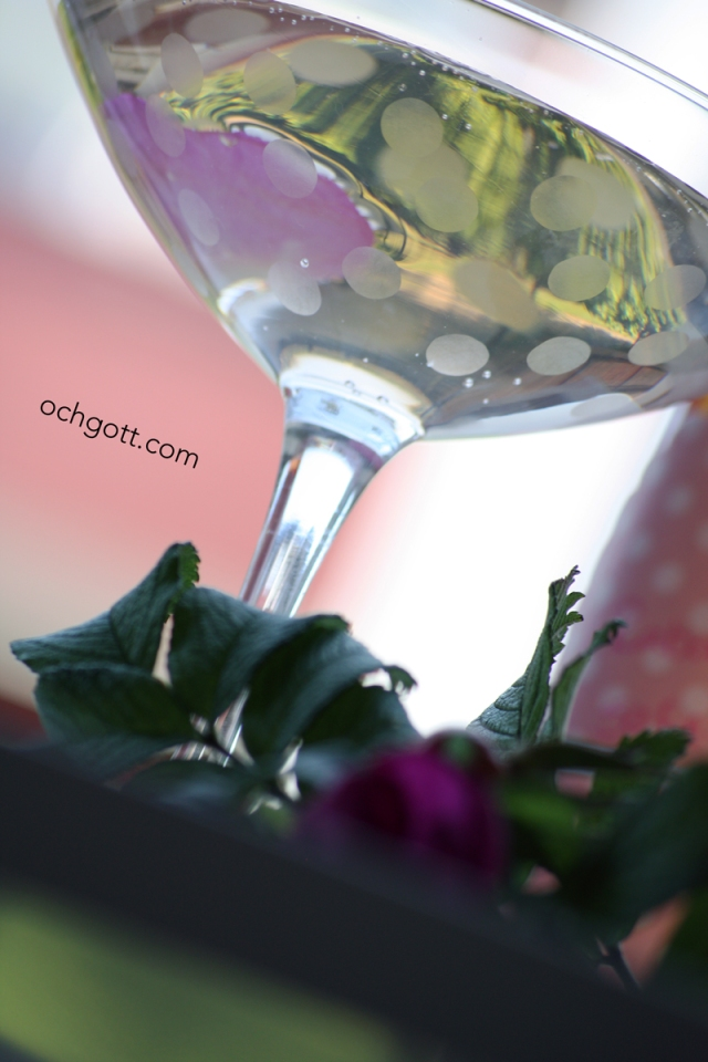 Sommardrink med rabarber