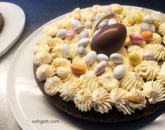Påsktårta med dulce de lechefluff