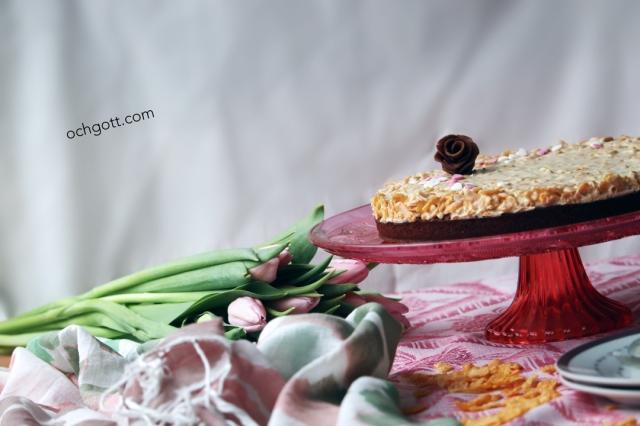 Kladdkaka med vit choklad- och cornflakestäcke - Foto: Britt-Marie Knutsson