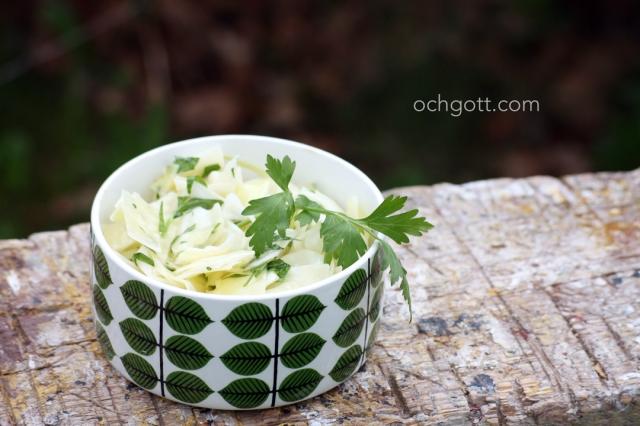 Vitkålssallad med persilja - Foto: Britt-Marie Knutsson