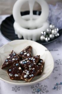 Choklad- och nougatbräck med salta pinnar