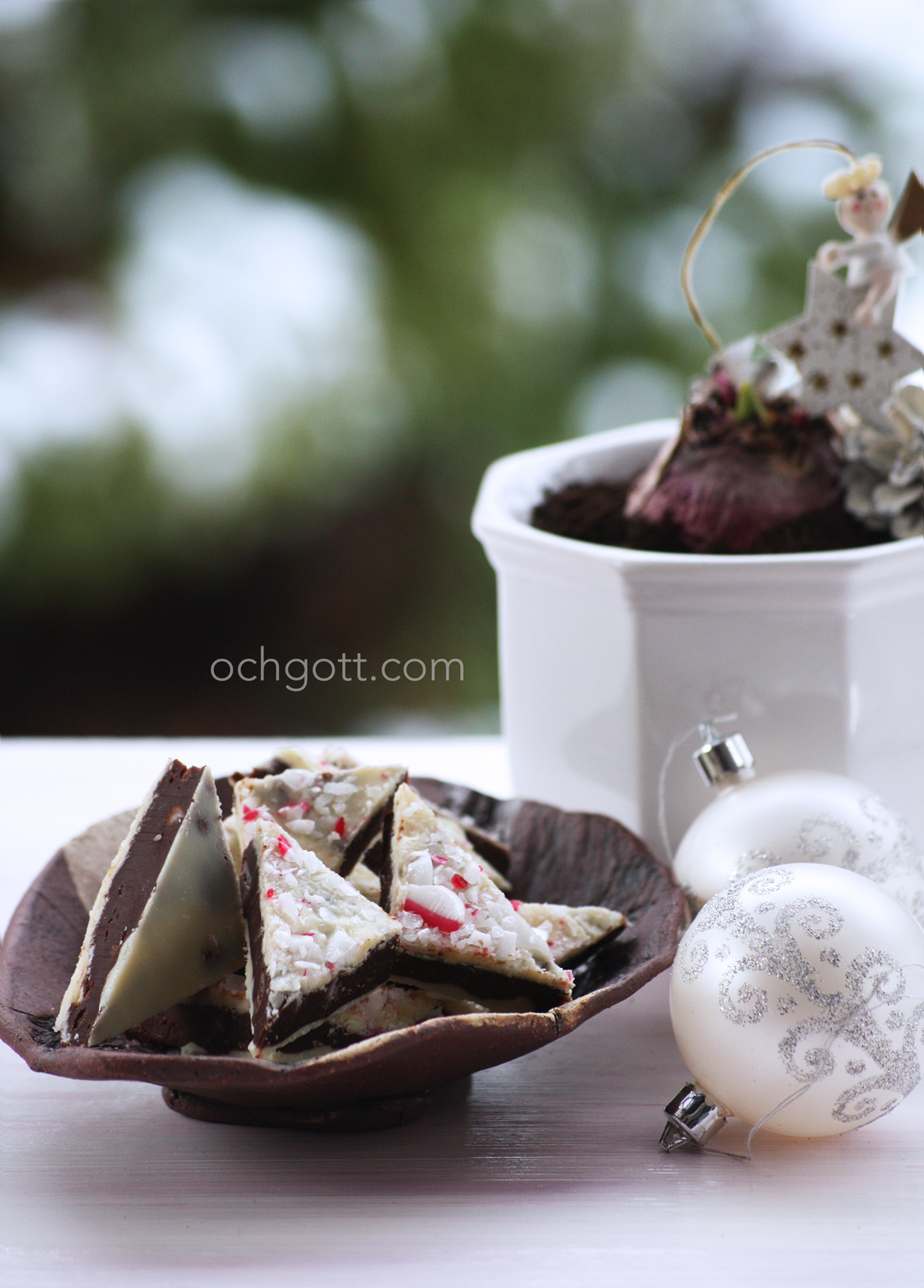Fudgekonfekt med polkagrisar - Foto: Britt-Marie Knutsson
